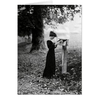 Mulher do Victorian da caixa postal do vintage