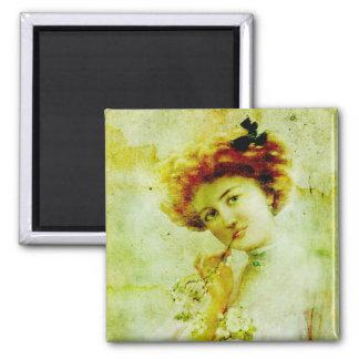 Mulher do vintage no ímã do pensamento ímã quadrado