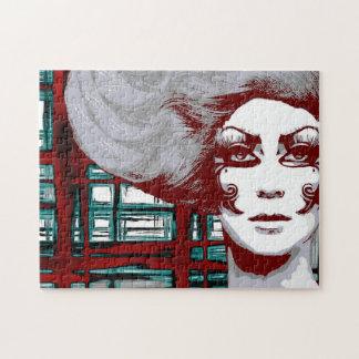 Mulher do vintage no quebra-cabeça das janelas