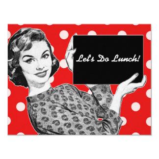 mulher dos anos 50 com um almoço do sinal convite 10.79 x 13.97cm