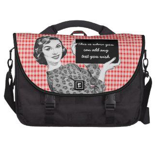 mulher dos anos 50 com um sinal V2 Bolsas Para Computadores Portáteis
