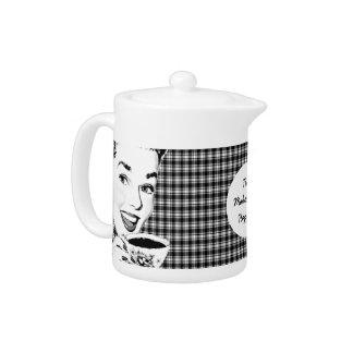 mulher dos anos 50 com um Teacup V3