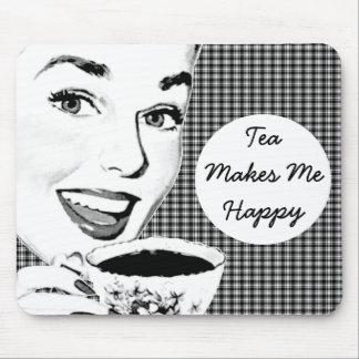 mulher dos anos 50 com um Teacup V3 Mouse Pad