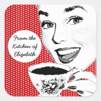 mulher dos anos 50 com uma etiqueta da cozinha do adesivo quadrado