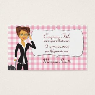 Mulher dos desenhos animados no cartão cor-de-rosa