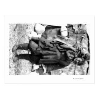 Mulher e criança Eskimo na fotografia de Alaska Cartão Postal