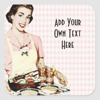 Mulher retro dos anos 50 com bandeja do almoço adesivo quadrado