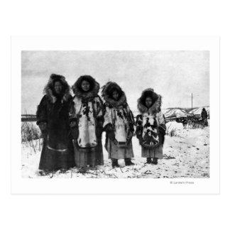 Mulheres Eskimo na fotografia de Alaska Cartao Postal