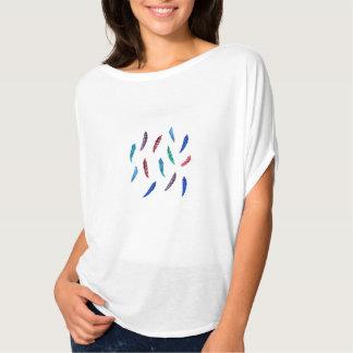 Mulheres superiores com penas camiseta