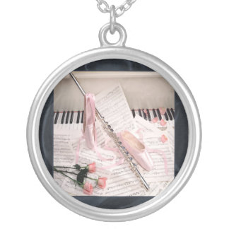 Música da flauta e da colar das chaves
