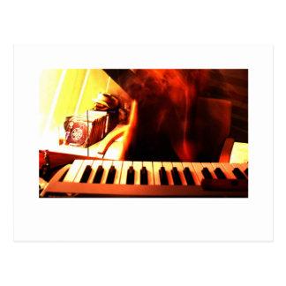 Música eletrônica cartão postal