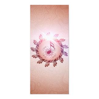 Música, notas chaves em um botão feito de elemen convite 10.16 x 23.49cm