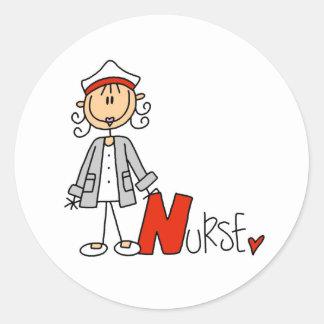 N é para a enfermeira adesivo em formato redondo