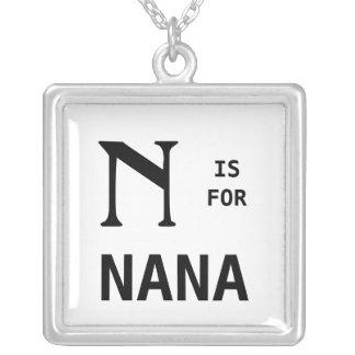 N é para o pendente do monograma de Nana Monogramm Colar Com Pendente Quadrado