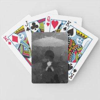 Na pintura escura da arte da chuva baralhos de pôquer