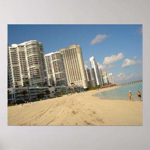 Na praia em Miami! Posters