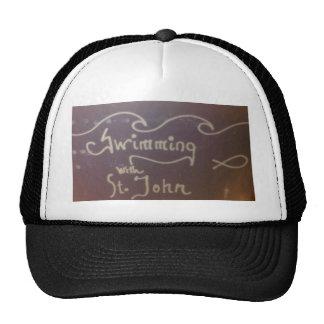 Nadar com a engrenagem do logotipo de St John Bones