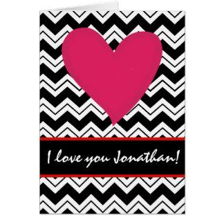 Namorados personalizados do coração nome vermelho cartão comemorativo