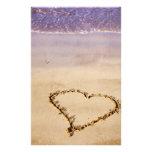 Namorados românticos do oceano da praia da areia d papel personalizados