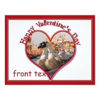 Namorados românticos do passeio da gôndola convites personalizados