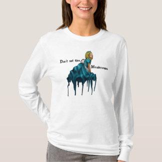 Não coma a camisa de Alice dos cogumelos