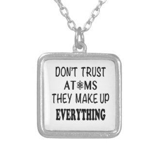 Não confie átomos que compo tudo colar banhado a prata