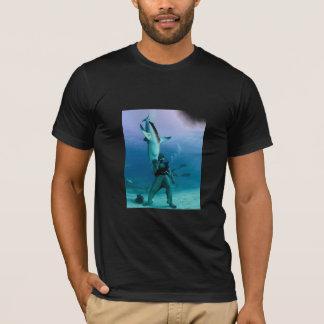 Não deie, não eduque. .shark camiseta
