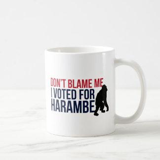 Não me responsabilize. Eu votei para Harambe Caneca De Café