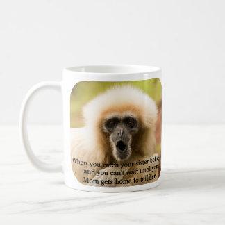 Não pode esperar para dizer à mamã em você o caneca de café