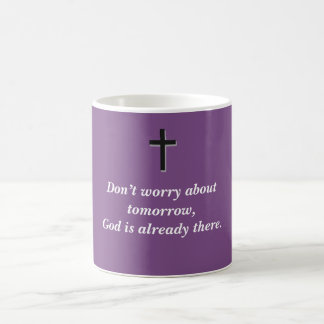 Não preocupe a cruz da caneca de café w/Black