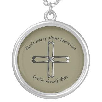 Não preocupe a cruz da colar w/Steel