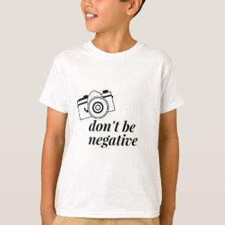 Não seja camisa negativa da fotografia