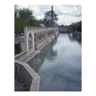 Nascente de água em construções islâmicas modelo de panfleto