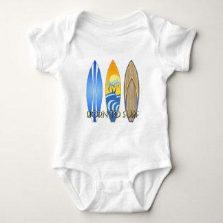 Nascer a surfar body para bebê