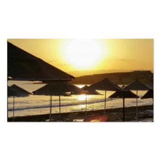 Nascer do sol com praia da piscina cartoes de visita