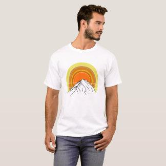 Nascer do sol da montanha camiseta
