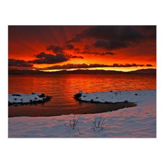 Nascer do sol de Coloful Lake Tahoe… Cartão Postal