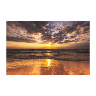 Nascer do sol no paraíso dos surfistas impressão em tela