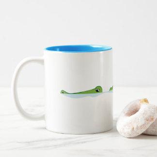 Natação do jacaré caneca de café em dois tons