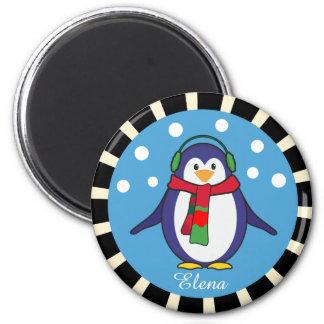 Natal bonito do pinguim com seu nome imã