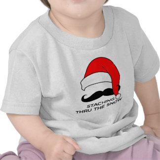Natal do bigode - Staching através da neve Camisetas