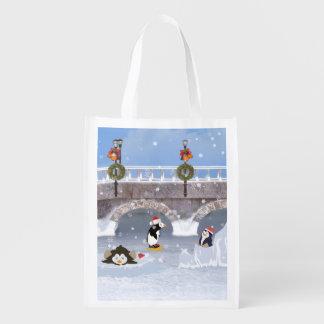 Natal, pinguins brincalhão no lago congelado sacola ecológica para supermercado