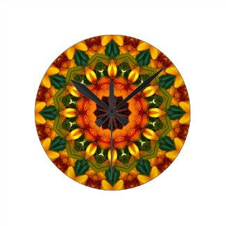 Natureza alaranjada da íris amarela, Flor-Mandala Relógios Para Pendurar