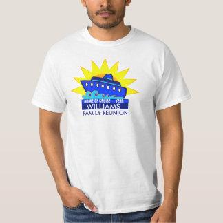 Navio de cruzeiros com reunião ou evento de Sun T-shirt
