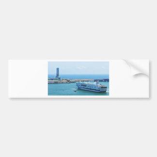 Navio de cruzeiros luxuoso que sae do porto de adesivo para carro