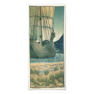 Navio de navigação do Santo Graal no oceano Impressão De Foto