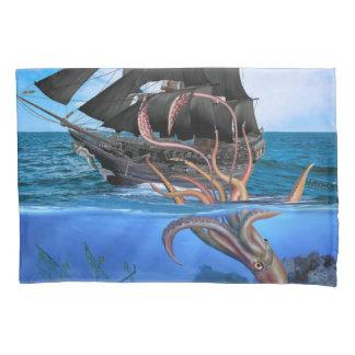 Navio de pirata contra o calamar gigante