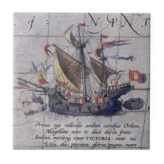 Navio e mapa altos do Oceano Pacífico