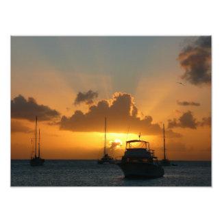 Navios e barco das caraíbas do por do sol impressão de foto