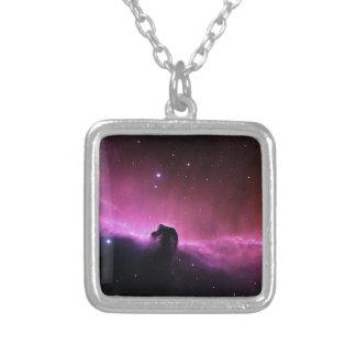 Nebulosa de NASAs Horsehead Colar Banhado A Prata